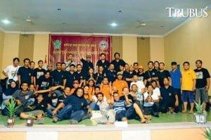 """Peserta kontes """"Spirit Sansevieria 2015"""" di Kediri, Jawa Timur."""