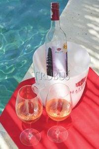 Hatten Wines Rosé, jenis minuman anggur yang pertama kali dibuat PT Arpan Bali Utama pada 1994. (foto: Koleksi Hatten Wines)