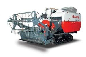 Panen menggunakan mesin lebih menghemat waktu, tenaga kerja, dan biaya operasional.